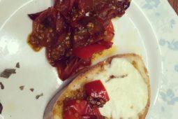 Rajčata na talíři